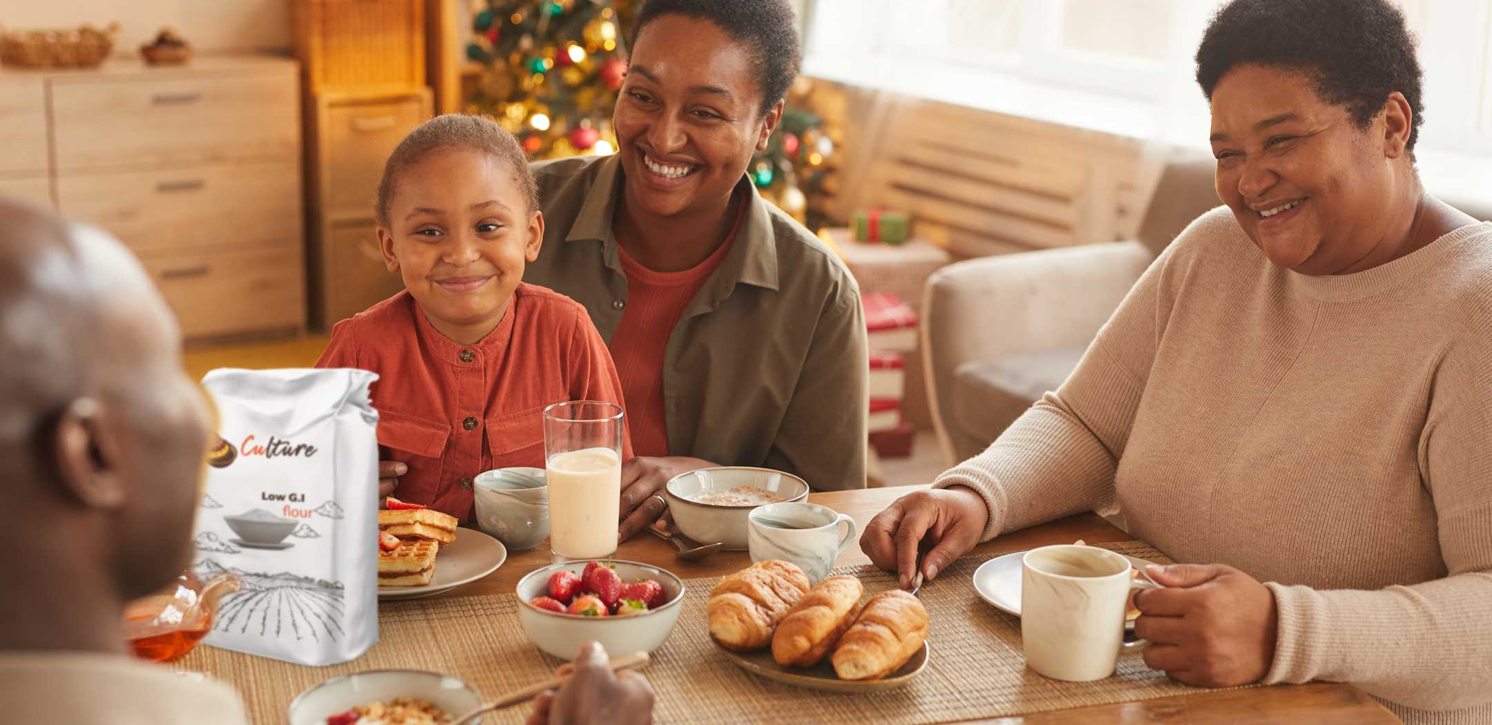 happy-family-enjoying-breakfast-with-a-flour-that-is-good-for-diabetics-and-has-low-GI-glycemic-index